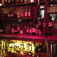 Foto diambil di The Rum House oleh Michael pada 5/26/2013