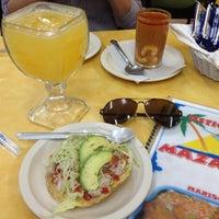 Foto diambil di Ostionería Mazatlán oleh Horacio P. pada 10/19/2012