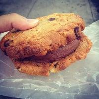 10/15/2012にTheresaがMilk & Cookiesで撮った写真