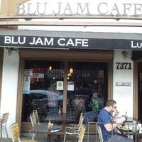 Photo prise au Blu Jam Café par Ralph S. le4/15/2013