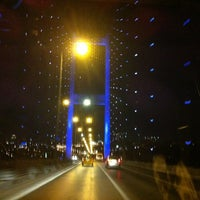 Photo prise au Boğaziçi Köprüsü par Rıdvan K. le7/26/2013