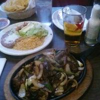 รูปภาพถ่ายที่ El Azteca โดย Jennifer M. เมื่อ 1/25/2013