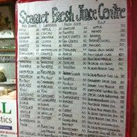 11/19/2012にSlava Y.がScarlet Fruit Juice Centreで撮った写真