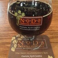 รูปภาพถ่ายที่ NoDa Brewing Company โดย Brian M. เมื่อ 1/25/2013