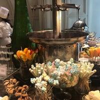 10/10/2018 tarihinde Monique Vhalerie O.ziyaretçi tarafından Cafe Ilang-Ilang'de çekilen fotoğraf