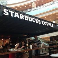 Снимок сделан в Starbucks пользователем Инна П. 6/13/2013
