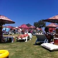 Foto scattata a İncir Beach da Sevnur il 7/26/2013