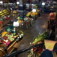 Das Foto wurde bei Whole Foods Market von Justin K. am 12/1/2012 aufgenommen