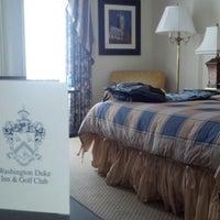 Foto tirada no(a) Washington Duke Inn & Golf Club por Justin K. em 7/17/2013