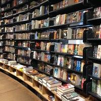 10/12/2013 tarihinde Arwind G.ziyaretçi tarafından The American Book Center'de çekilen fotoğraf