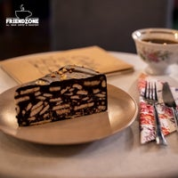 Foto scattata a Friendzone Cafe 3rd Wave Coffee & Roastery da Serkan il 6/8/2021