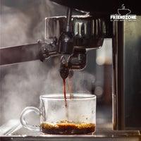 Foto scattata a Friendzone Cafe 3rd Wave Coffee & Roastery da Serkan il 6/19/2021