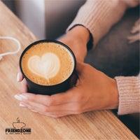 5/22/2021 tarihinde Serkanziyaretçi tarafından Friendzone Cafe 3rd Wave Coffee & Roastery'de çekilen fotoğraf