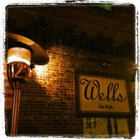 Foto tirada no(a) Wells on Wells por Sherri M. em 7/28/2013