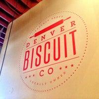 Das Foto wurde bei Denver Biscuit Company von Sherri M. am 4/8/2013 aufgenommen