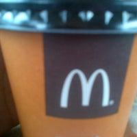 Foto tomada en McDonald's por Giuliana G. el 9/20/2012