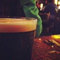 Foto scattata a BJ's Restaurant & Brewhouse da Calvin il 4/8/2013