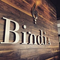 Foto tirada no(a) Bindia Indian Bistro por Mandeep D. em 5/30/2015