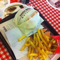 Foto tirada no(a) Upper West Side Falafel por Oğuzhan em 1/9/2013