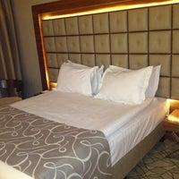 11/30/2012에 Naze .님이 Grand Hotel Gaziantep에서 찍은 사진