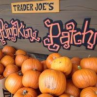 รูปภาพถ่ายที่ Trader Joe's โดย MattersOfGrey.com เมื่อ 9/29/2013