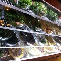 Foto scattata a Cunda Balık Restaurant da Mustiden il 4/13/2013