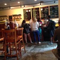 Foto diambil di U Street Café oleh Julian J. pada 5/10/2014