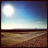 Foto tomada en Dockweiler State Beach por Derek B. el 8/10/2013