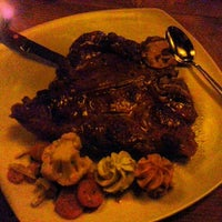 Foto diambil di Joli Restaurant & Bar oleh Ozan E pada 2/25/2013