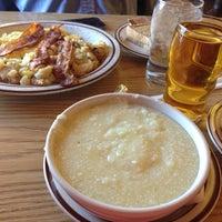 รูปภาพถ่ายที่ White's Diner โดย Fran C. เมื่อ 10/21/2013