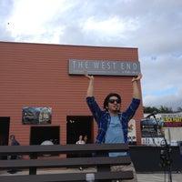 Foto tirada no(a) The West End Gastro Pub por Justin P. em 10/13/2012