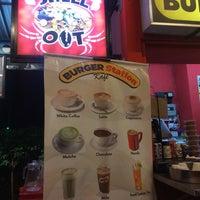 Das Foto wurde bei Burger Station von Tieah M. am 9/22/2018 aufgenommen