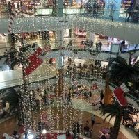รูปภาพถ่ายที่ Spectrum Cineplex โดย Kadir เมื่อ 12/22/2012