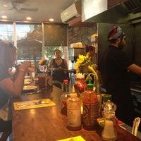 Photo prise au Counter Cafe par Erica B. le10/5/2013