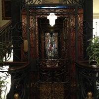 Foto diambil di Pera Palace Hotel Jumeirah oleh Ayse Nur G. pada 10/26/2012