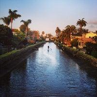รูปภาพถ่ายที่ Venice Canals โดย Bryce R. เมื่อ 3/5/2013