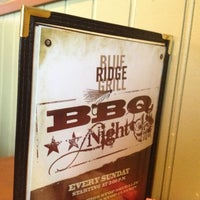 1/27/2013 tarihinde Christopher L.ziyaretçi tarafından Blue Ridge Grill'de çekilen fotoğraf