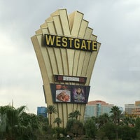 รูปภาพถ่ายที่ Westgate Las Vegas Resort & Casino โดย Erik H. เมื่อ 8/21/2016