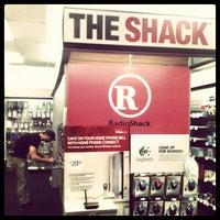 Photo prise au RadioShack par Jamie P. le9/22/2012
