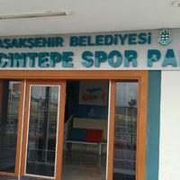 Photo prise au Başakşehir Güvercintepe Spor Parkı par Ömer Ç. le9/27/2015