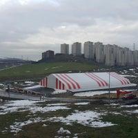 Photo prise au Başakşehir Güvercintepe Spor Parkı par Ömer Ç. le2/24/2015