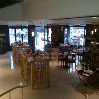 รูปภาพถ่ายที่ Lasagrada Brasserie โดย Onur C. เมื่อ 7/20/2013