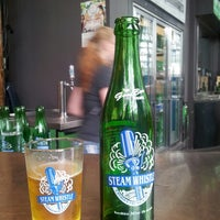Foto scattata a Steam Whistle Brewing da Jorge C. il 6/27/2013