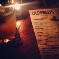 Foto tirada no(a) Oldfield's Liquor Room por Rita . em 6/2/2013