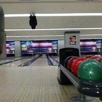 รูปภาพถ่ายที่ Rolling Ball Bowling โดย HE A. เมื่อ 3/28/2013