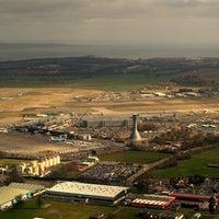 รูปภาพถ่ายที่ Edinburgh Airport (EDI) โดย Levi V. เมื่อ 9/7/2013