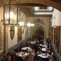 Foto diambil di Café de Tacuba oleh BrEn pada 5/10/2013