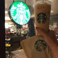 Foto tomada en Starbucks por カナエ ハ. el 7/30/2018