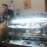 Photo prise au Café Batlle par Camilo P. le7/2/2014