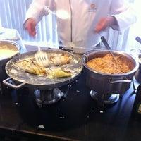 Foto tirada no(a) Panorama Gastronômico por Daniel W. em 10/27/2012